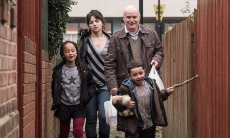 Hayley Squires and Dave Johns as Katie and Daniel and Briana Shann and Dylan McKiernan as Daisy and Dylan in I, Daniel Blake. Photograph: Entertainment One UK