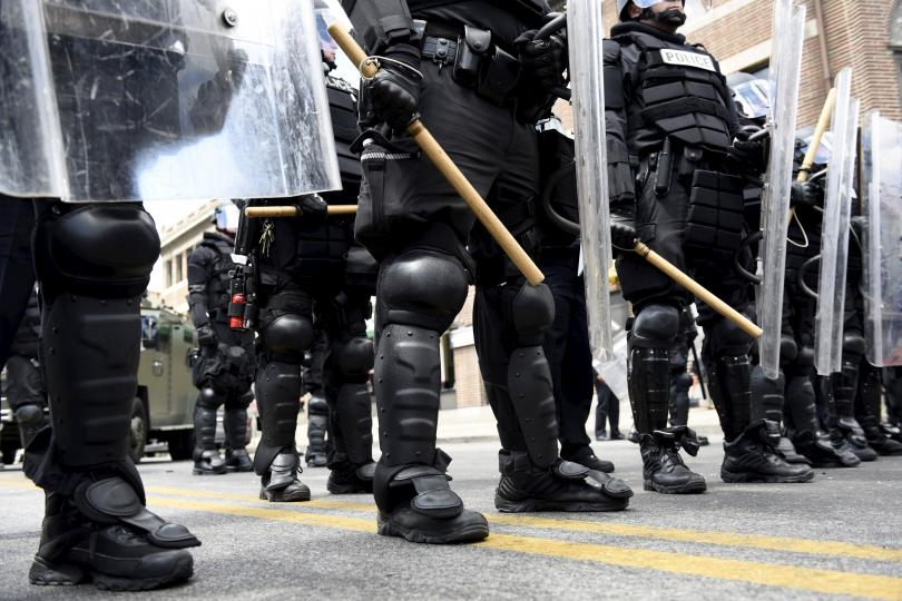 baltimore-police-riot-gear