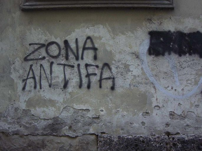 1280px-monza-graffiti-zona-antifa