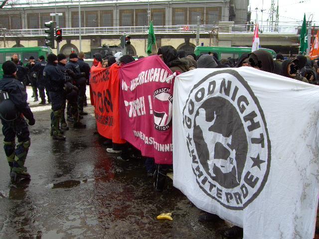 antifa_blockade_dresden_2010