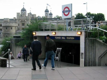 Tower_hill_entrance By Mrsteviec at the English language Wikipedia, CC BY-SA 3.0, httpscommons.wikimedia.orgwindex.phpcurid300309