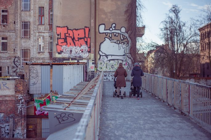 alley-architecture-berlin-110817